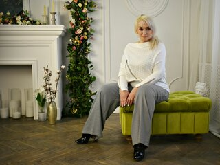 LucyMadeleine online hd shows