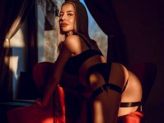 TessaMaven shows nude photos